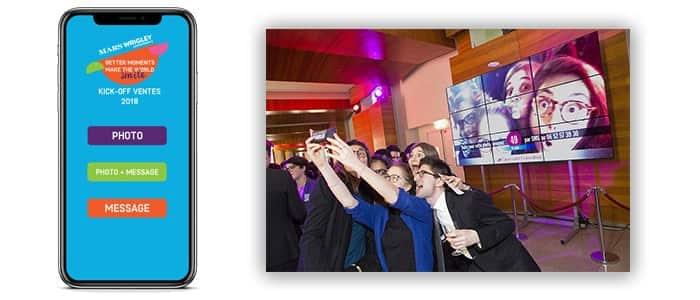 Cette prestation simple utilise les smartphones des intervenants pour afficher et faire découvrir un diaporama professionnel, en temps réel, durant toute la durée de la réception.
